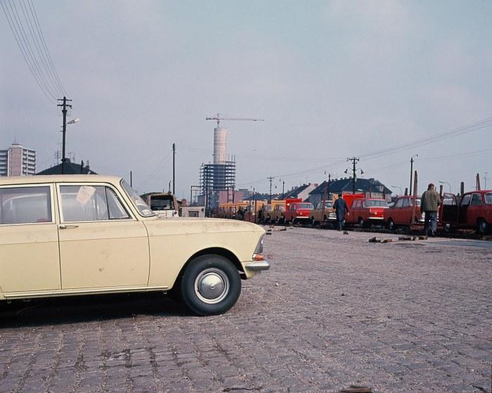 008 Vykl rampa Moskvic vykladka z vagonov 1973 ©Foto Peter Prochazka v
